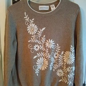 Alfred Dunner sweater. Size Small